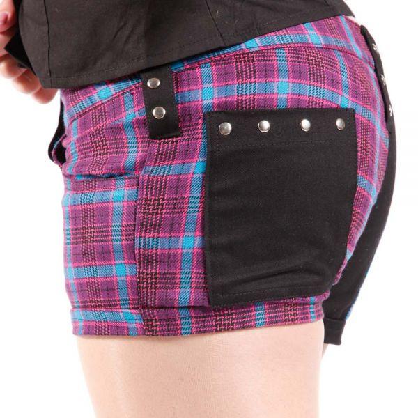 Hotpants mit Karomuster, Nieten und Girly Skullbone Patch