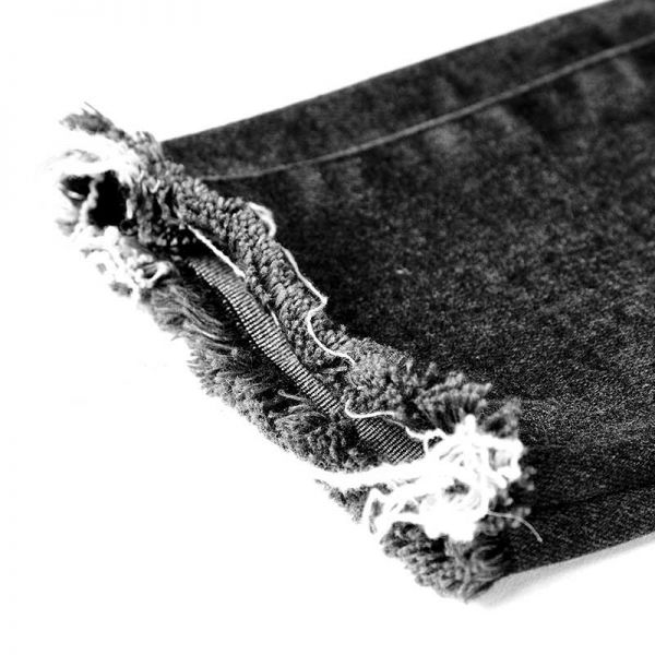 Daily Goth High Waist Jeans mit Rissen und Schlitzen