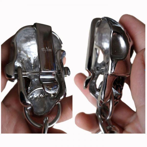 Riesiger Totenschädel Gürtelclip mit Schlüsselring
