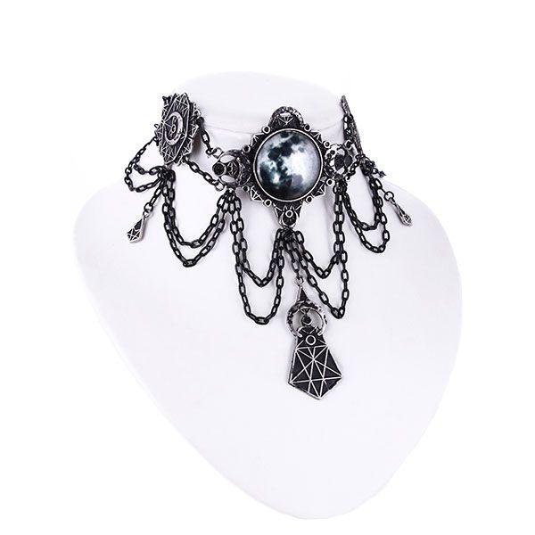 Collier im Antik Look mit Mond-Symbol und Ketten