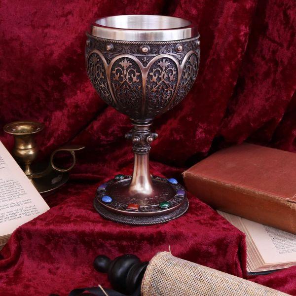 Mythischer Gral Weinkelch in gotischem Antik Look