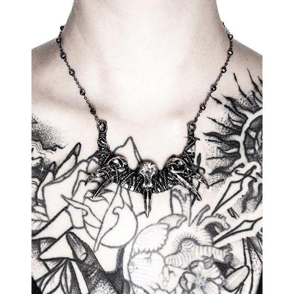 Mystische Sichelmond Halskette mit Rabenschädeln
